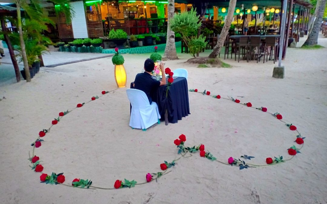 Thinking a perfect surprise date for your special love one?